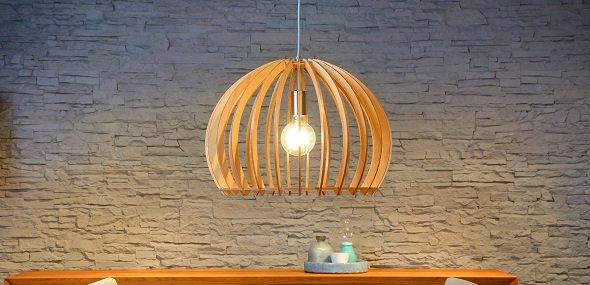 moderne Leuchten aus Holz